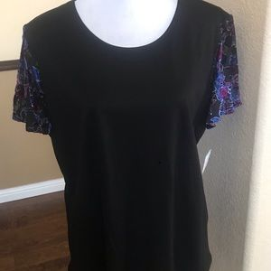 New Top with Flutter Sleeves Tossed Shadow Floral